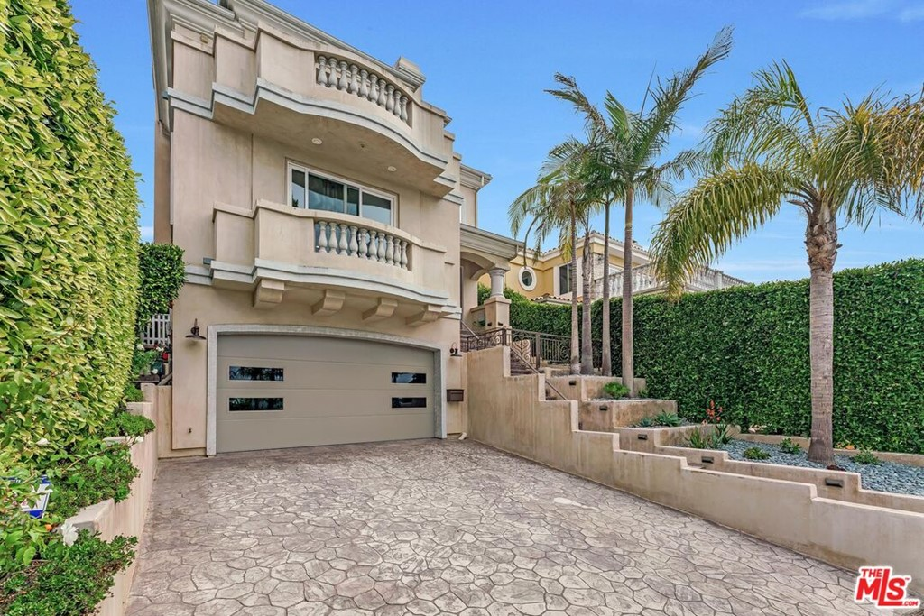 Active | 524 S Francisca Avenue Redondo Beach, CA 90277 74