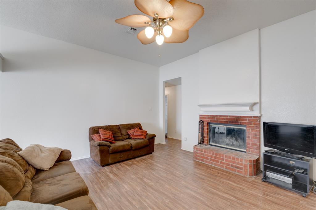 Active | 4162 Cypress Gardens Court Fort Worth, Texas 76123 4