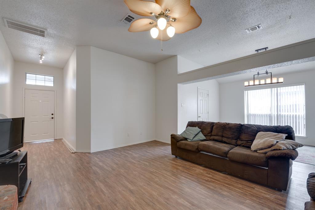 Active | 4162 Cypress Gardens Court Fort Worth, Texas 76123 6