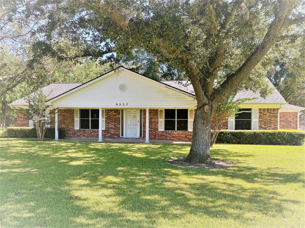 Active | 9237 Gene Street Needville, Texas 77461 3
