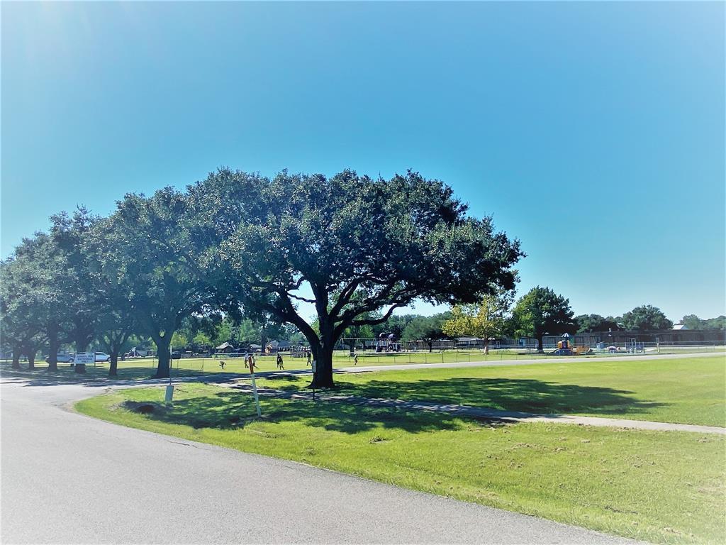 Active | 9237 Gene Street Needville, Texas 77461 33