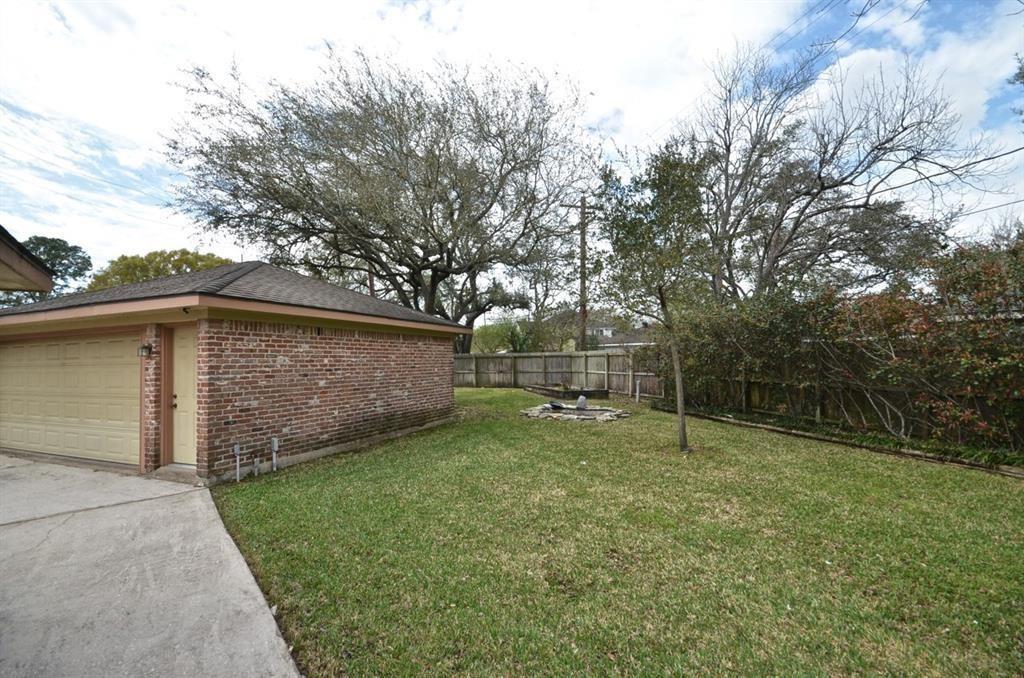 Active   5722 Braesvalley Drive Houston, Texas 77096 21