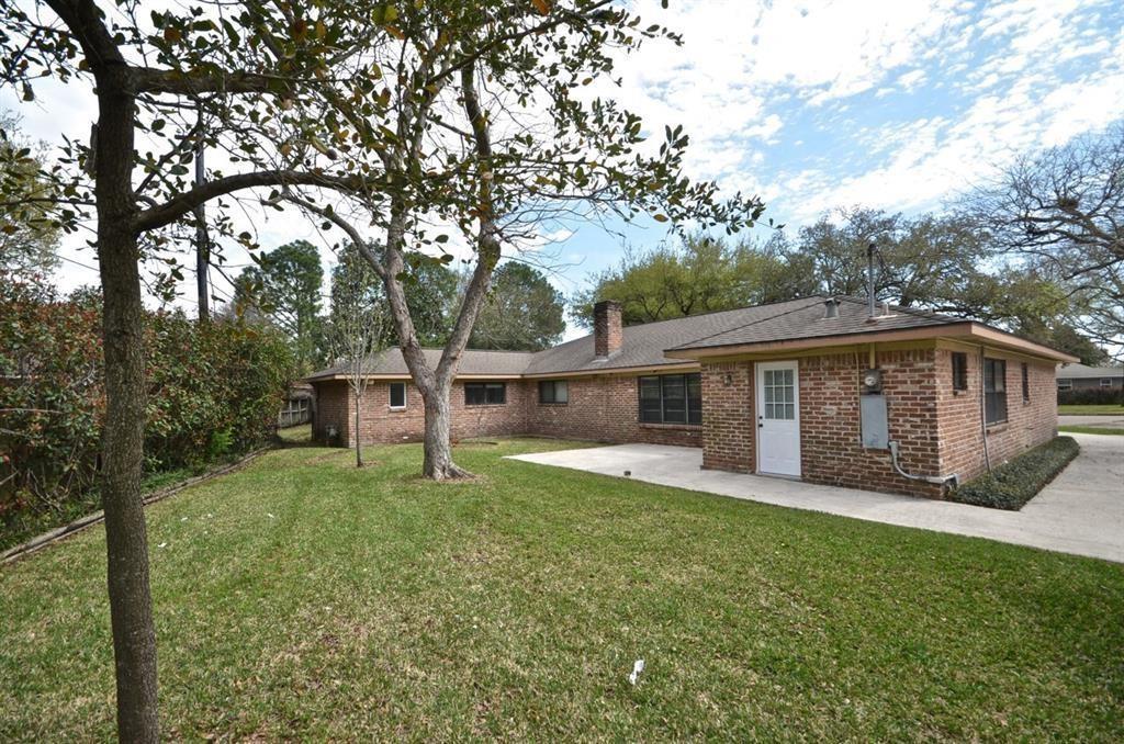 Active   5722 Braesvalley Drive Houston, Texas 77096 23