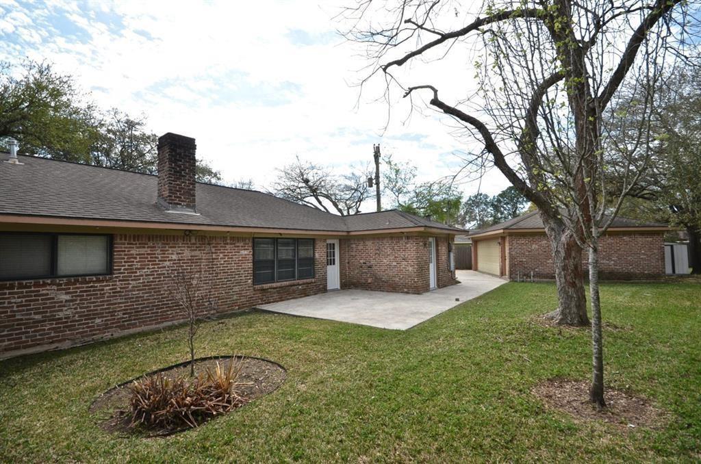 Active   5722 Braesvalley Drive Houston, Texas 77096 27