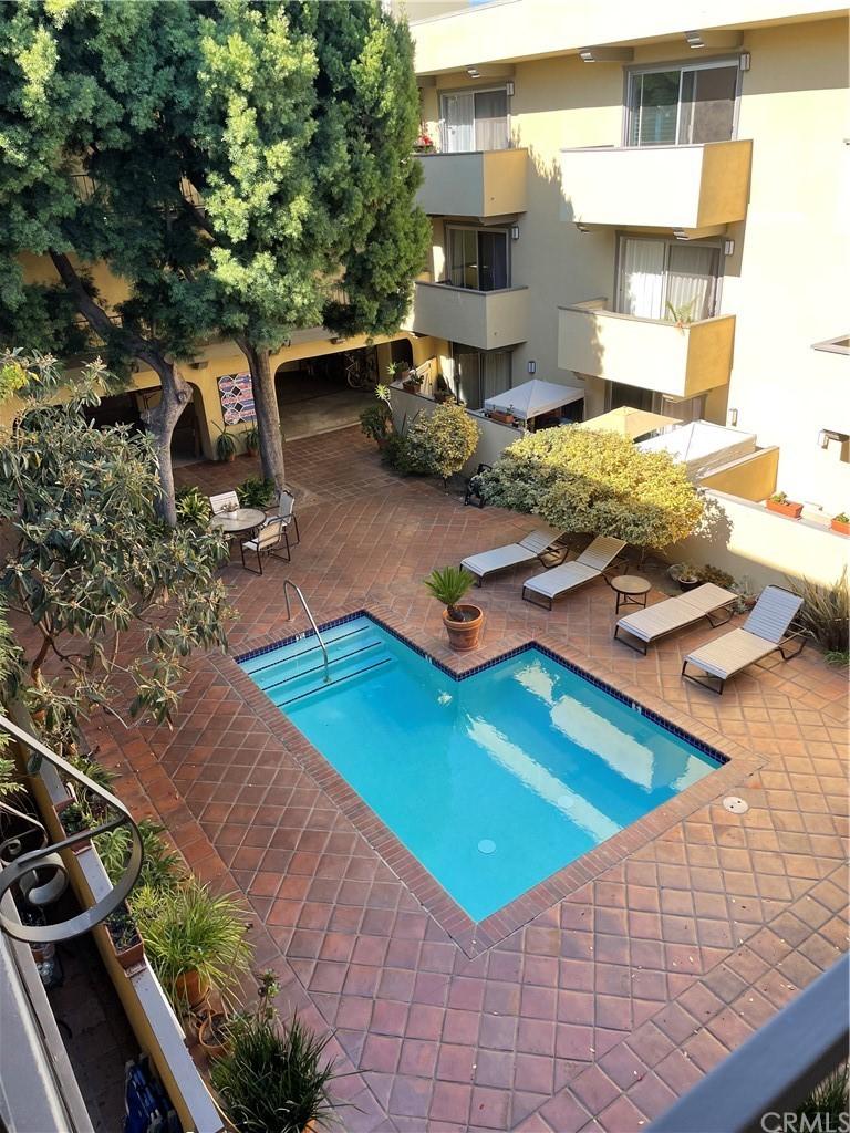 Active | 2311 Fourth #312 Santa Monica, CA 90405 28