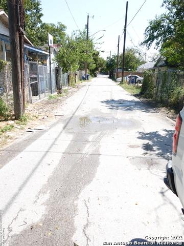 Active | 134 Peche St San Antonio, TX 78207 11