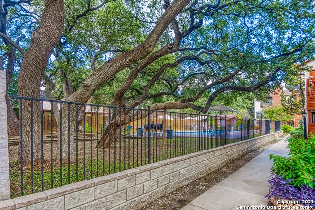 Pending   10527 Perrin Beitel Rd #C-110 San Antonio, TX 78217 18