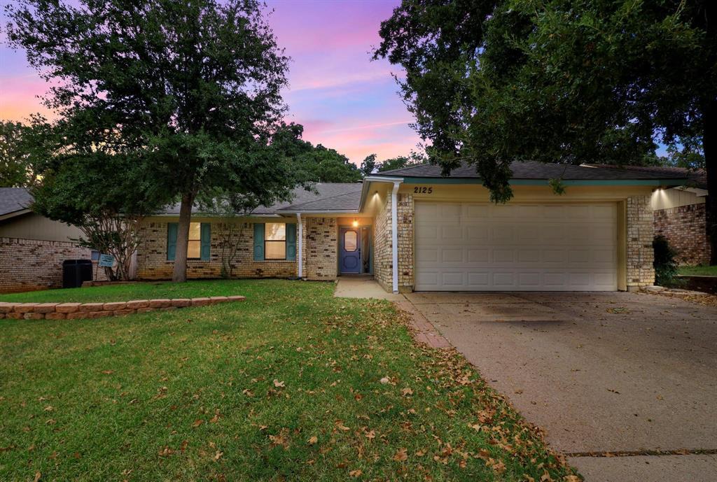 Pending | 2125 Reverchon Drive Arlington, Texas 76017 1