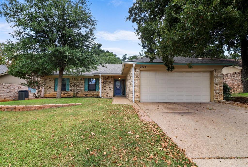 Pending | 2125 Reverchon Drive Arlington, Texas 76017 2