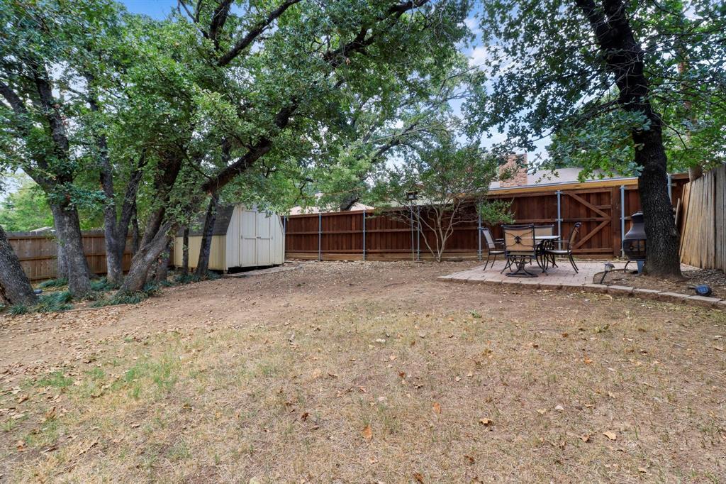Pending | 2125 Reverchon Drive Arlington, Texas 76017 36