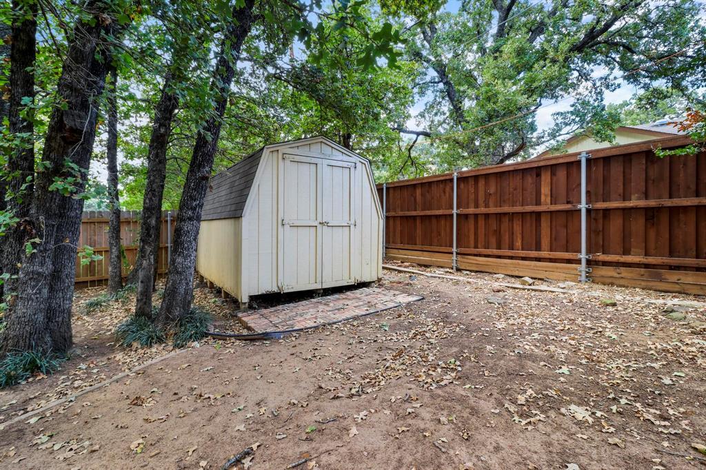Pending | 2125 Reverchon Drive Arlington, Texas 76017 38