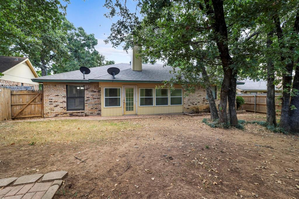 Pending | 2125 Reverchon Drive Arlington, Texas 76017 39