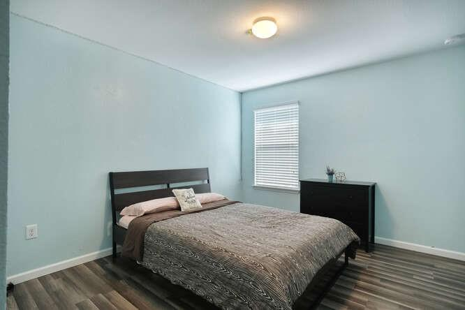 ActiveUnderContract   11701 Andesite Road Manor, TX 78653 7
