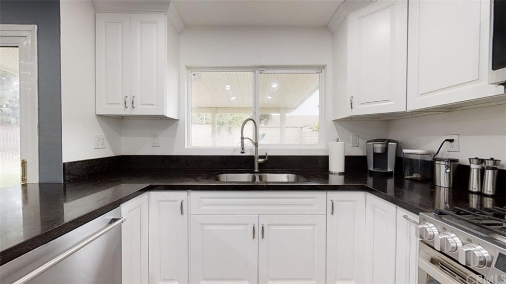 Pending   2437 S Imperial Place Ontario, CA 91761 7