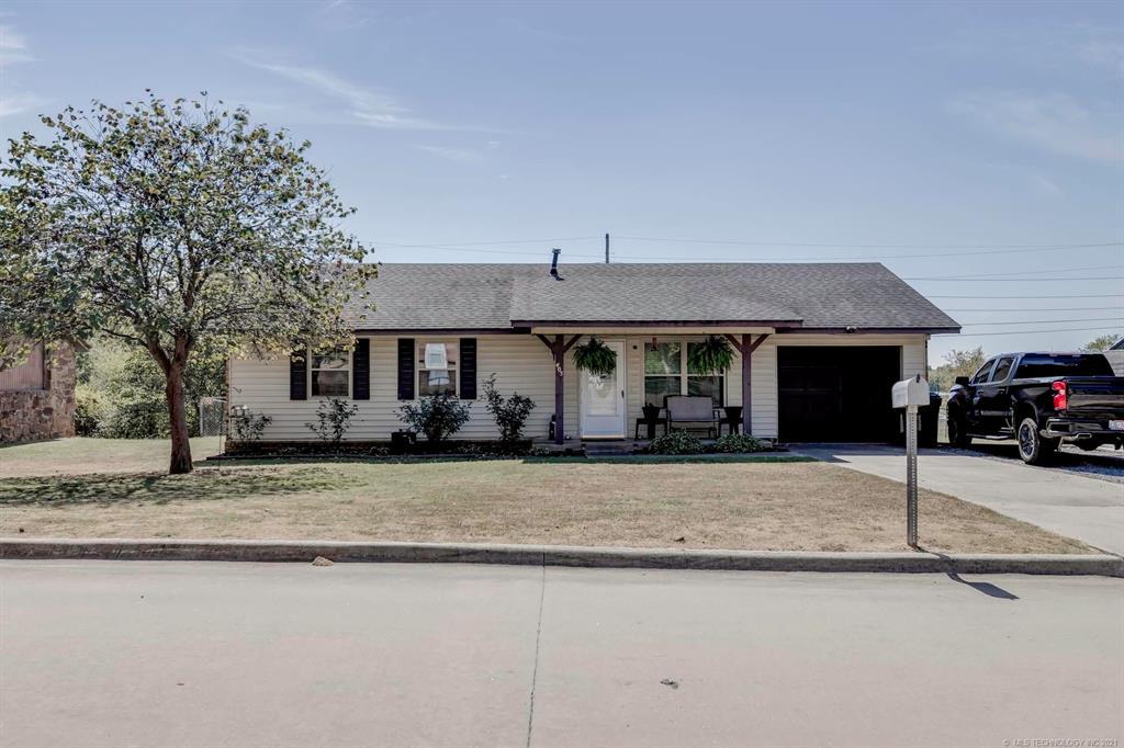 Off Market   405 Kelly Court Claremore, Oklahoma 74017 0