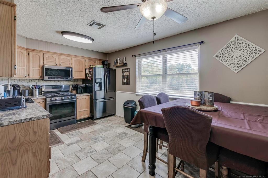 Off Market   405 Kelly Court Claremore, Oklahoma 74017 5