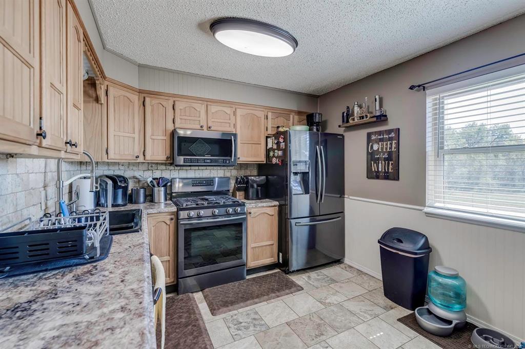 Off Market   405 Kelly Court Claremore, Oklahoma 74017 6
