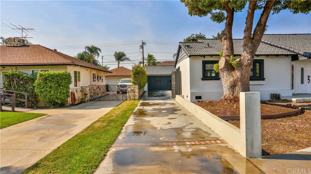 Pending | 9919 Pomering Road Downey, CA 90240 5