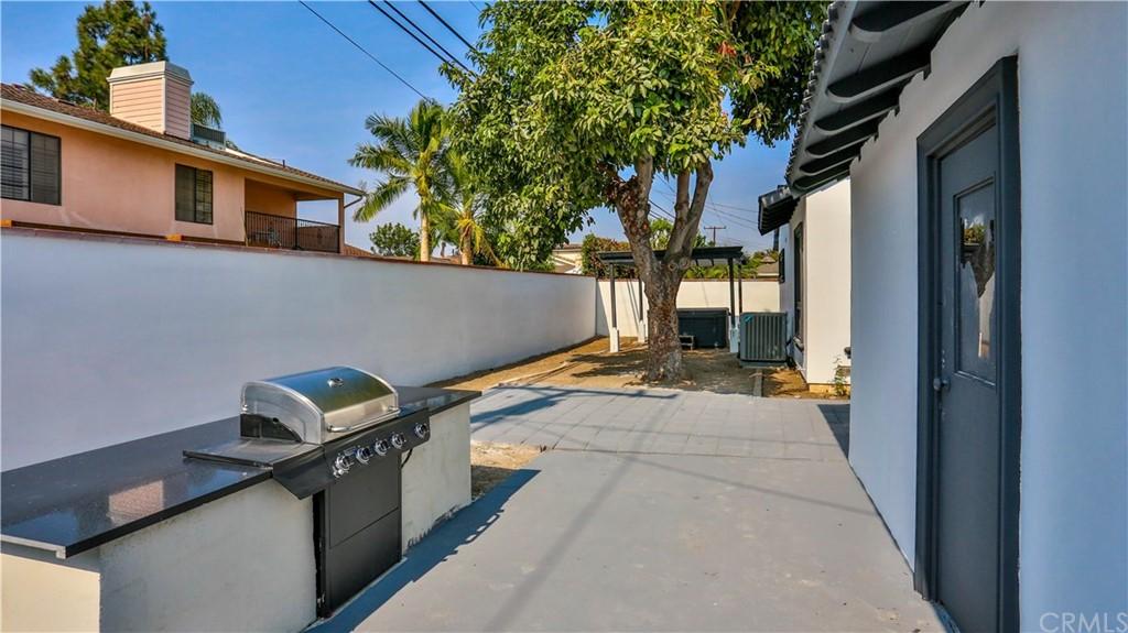 Pending | 9919 Pomering Road Downey, CA 90240 48