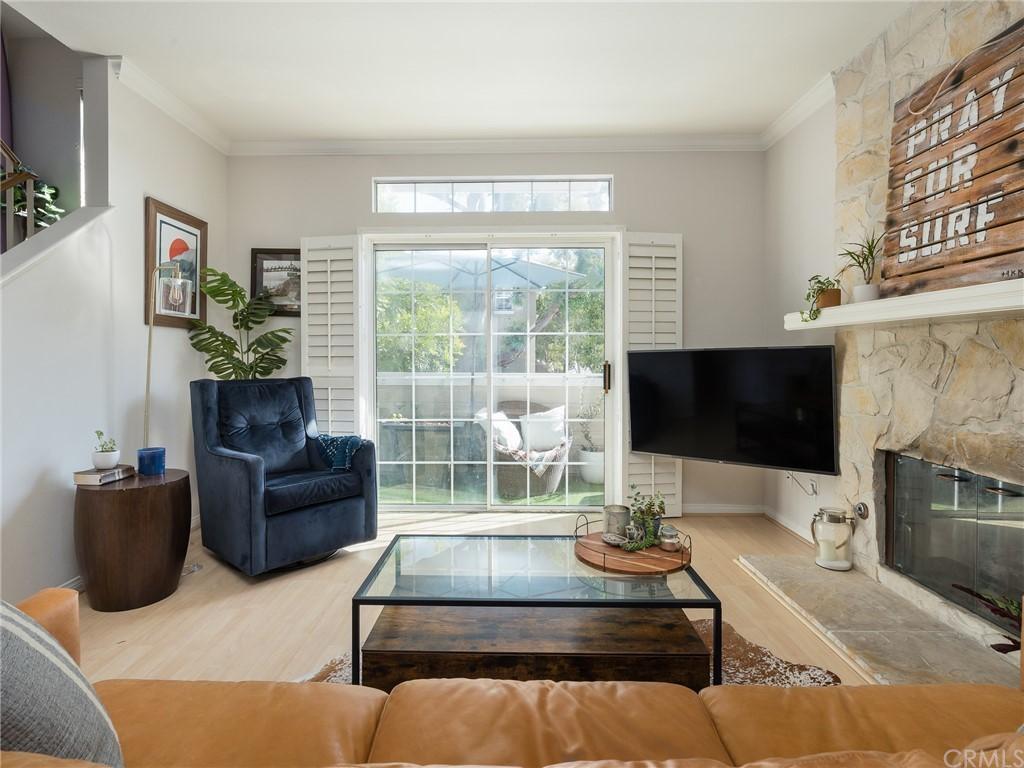 ActiveUnderContract | 400 Richmond Street #1 El Segundo, CA 90245 5