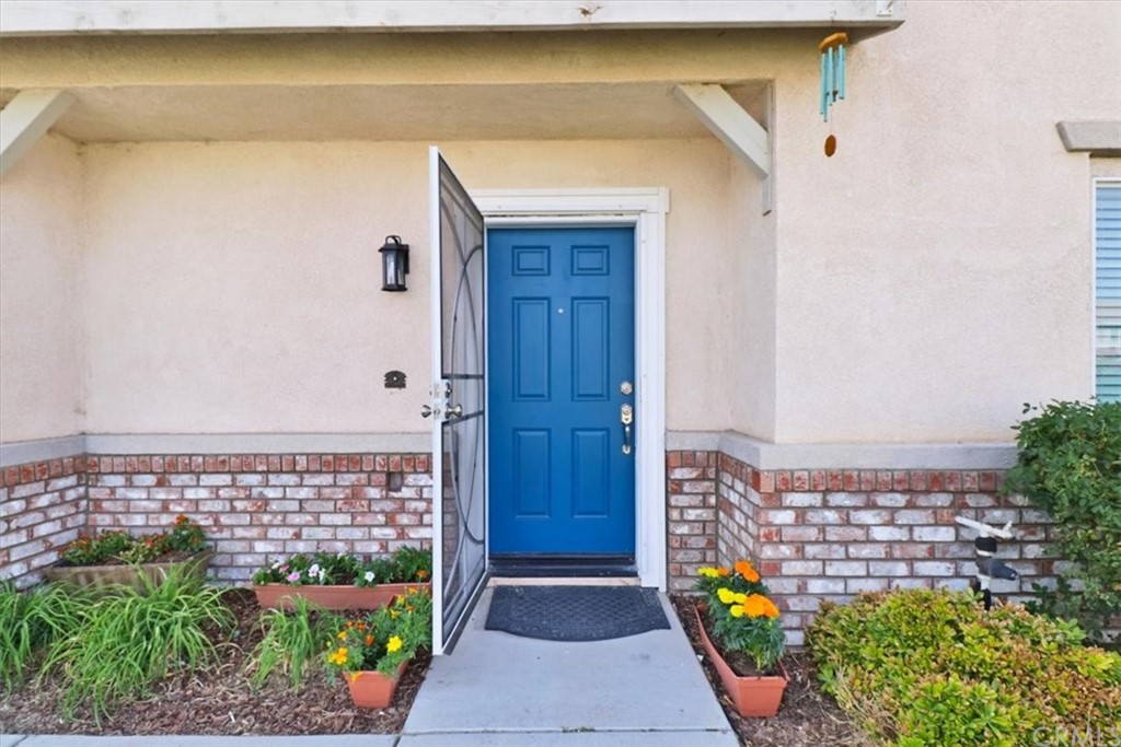 Pending   14700 Aztec Street Victorville, CA 92394 3
