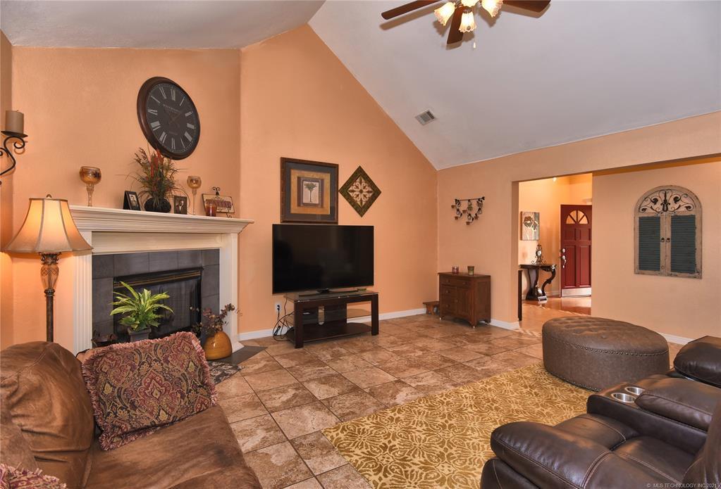 Active   8804 N 130th East Avenue Owasso, Oklahoma 74055 4