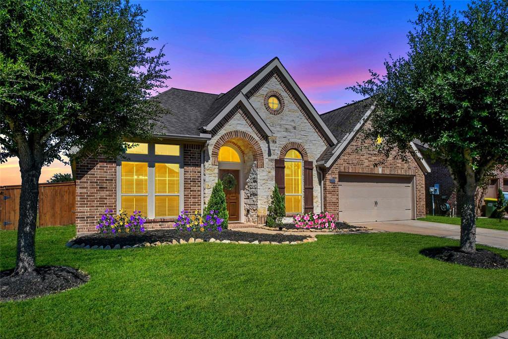 Pending   13905 Lost Creek Drive Pearland, Texas 77584 0