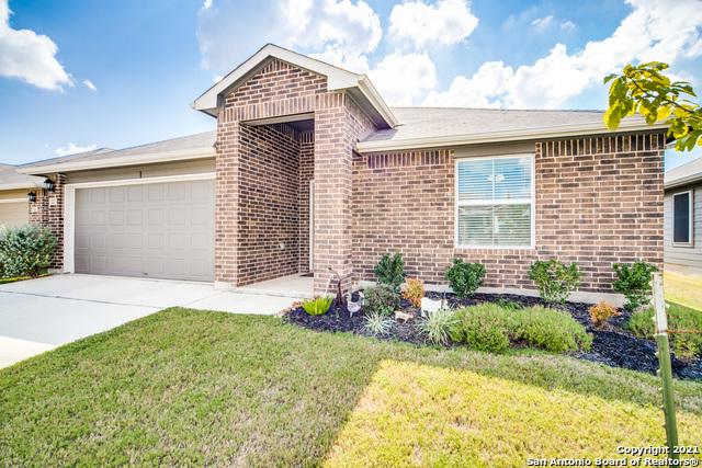 Pending   517 SUMMERSWEET RD New Braunfels, TX 78130 2
