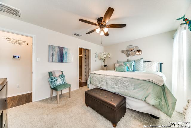 Pending   517 SUMMERSWEET RD New Braunfels, TX 78130 20