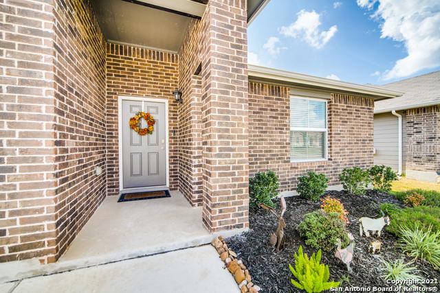 Pending   517 SUMMERSWEET RD New Braunfels, TX 78130 3