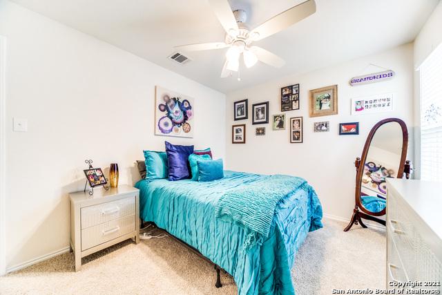 Pending   517 SUMMERSWEET RD New Braunfels, TX 78130 6