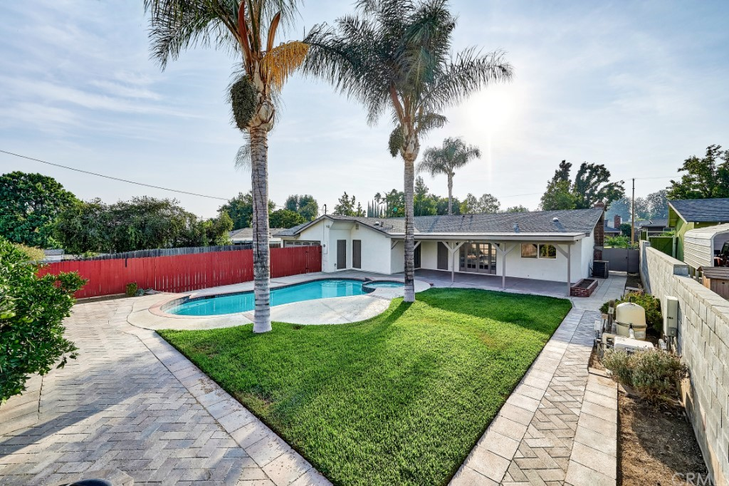 ActiveUnderContract | 1836 N 2nd Avenue Upland, CA 91784 46