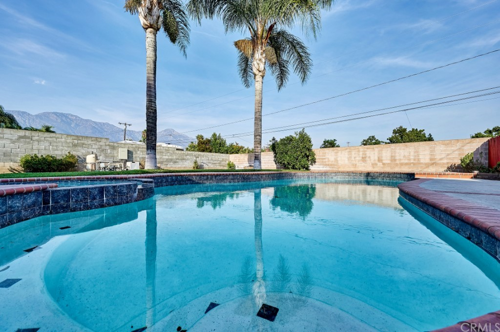 ActiveUnderContract | 1836 N 2nd Avenue Upland, CA 91784 42