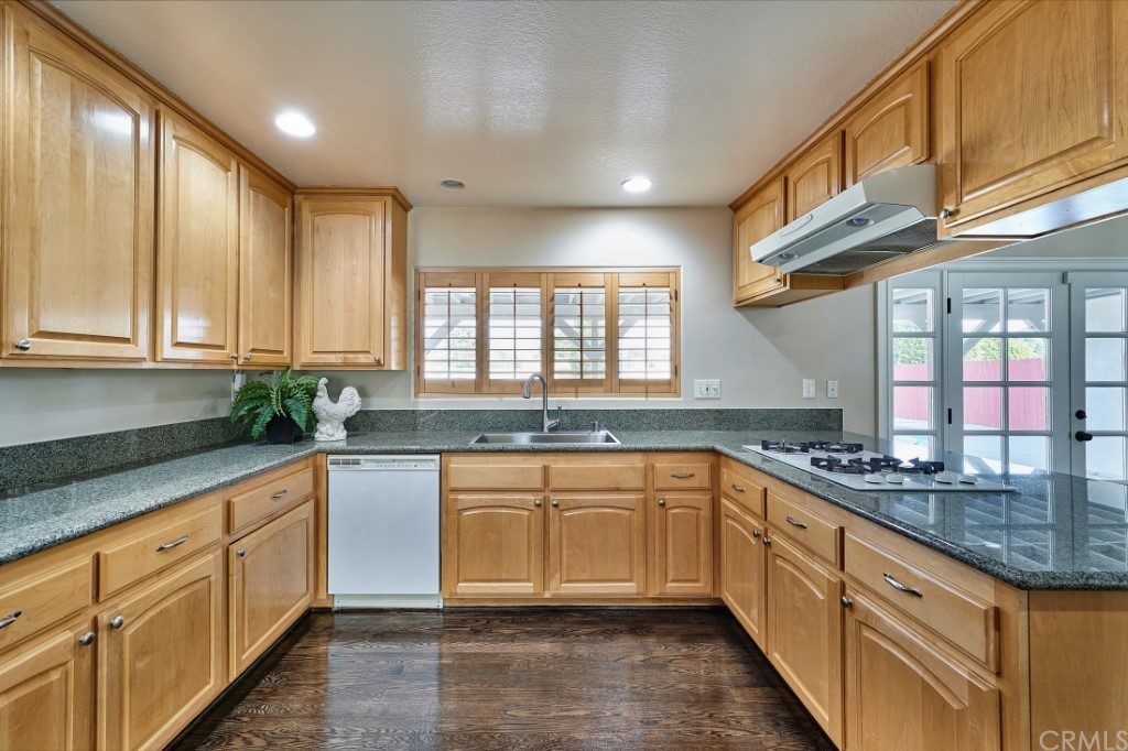 ActiveUnderContract | 1836 N 2nd Avenue Upland, CA 91784 17