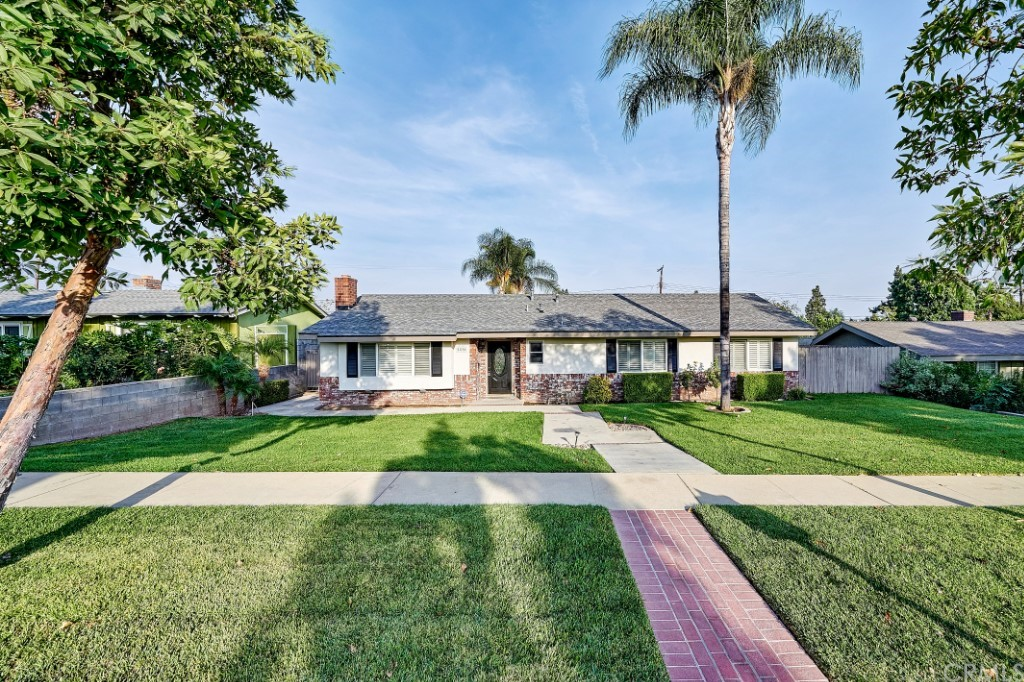 ActiveUnderContract | 1836 N 2nd Avenue Upland, CA 91784 2