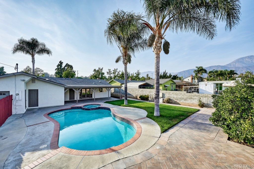 ActiveUnderContract | 1836 N 2nd Avenue Upland, CA 91784 44