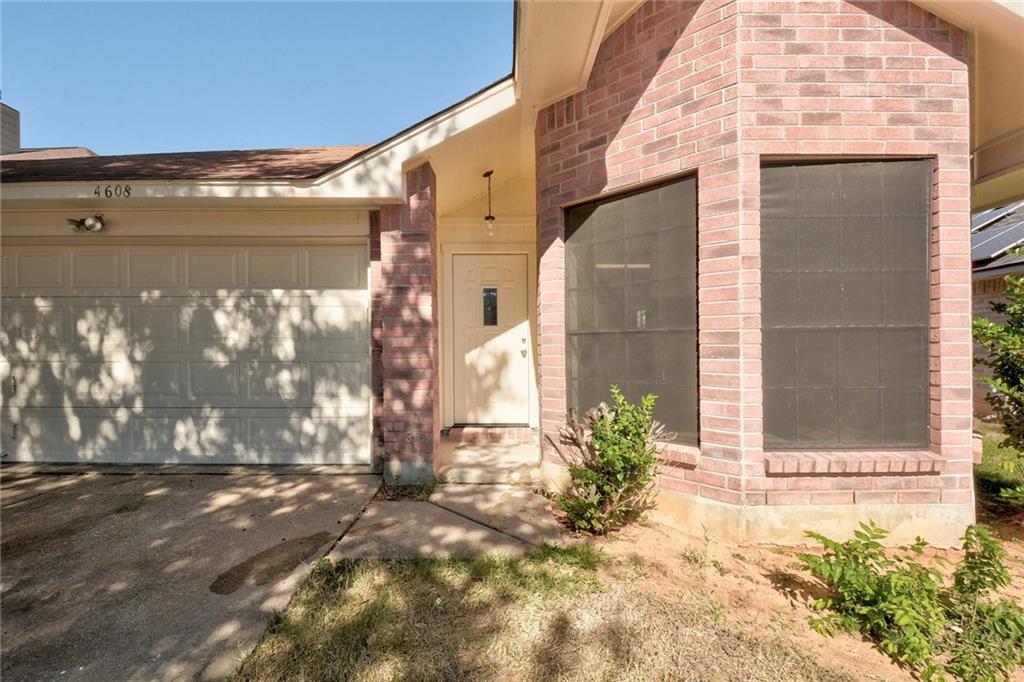 ActiveUnderContract | 4608 Castleman Drive Austin, TX 78725 3