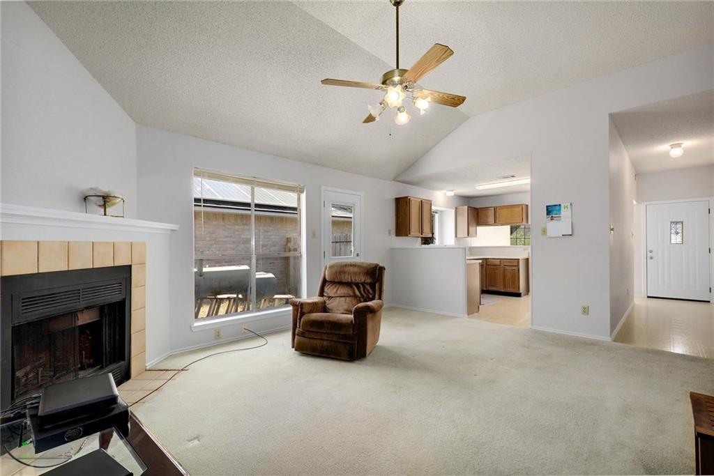 ActiveUnderContract | 4608 Castleman Drive Austin, TX 78725 5