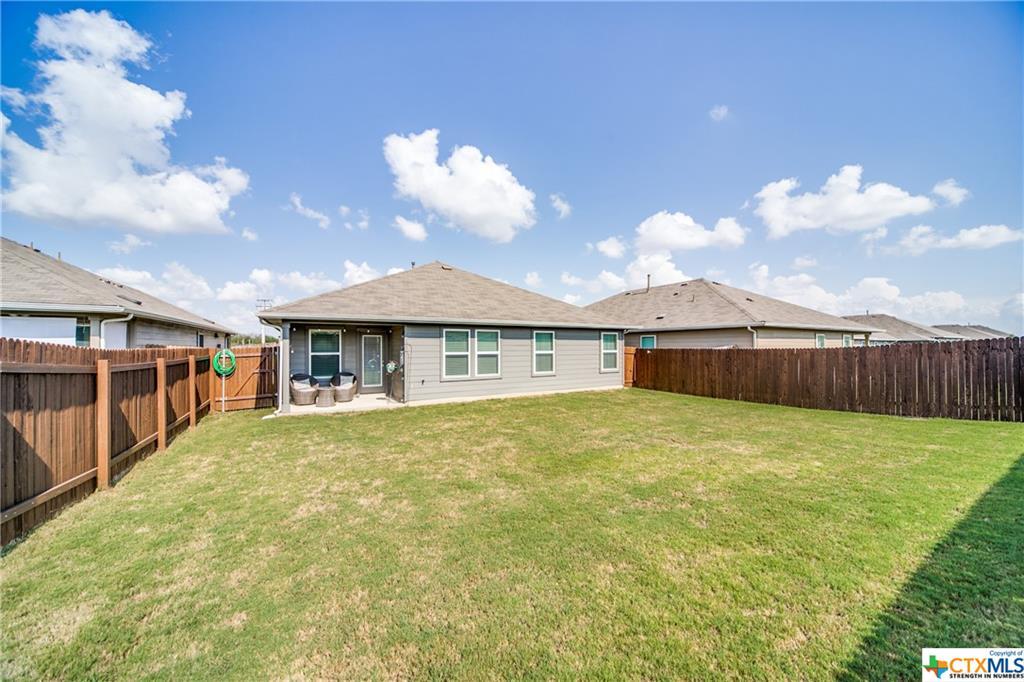 Pending   517 Summersweet Road New Braunfels, TX 78130 24
