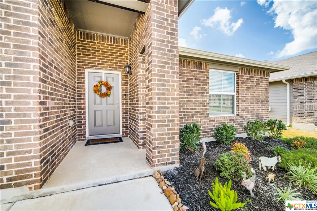 Pending   517 Summersweet Road New Braunfels, TX 78130 3
