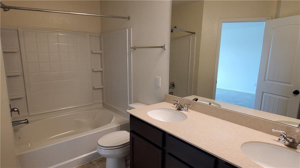 ActiveUnderContract   13725 Vigilance Street Manor, TX 78653 33