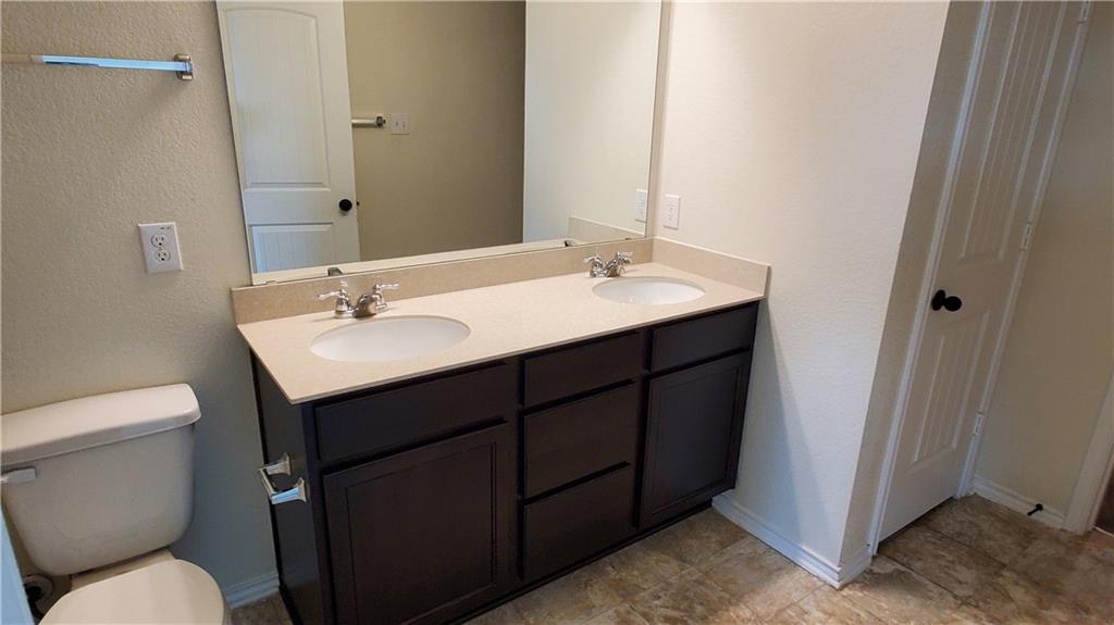 ActiveUnderContract   13725 Vigilance Street Manor, TX 78653 34