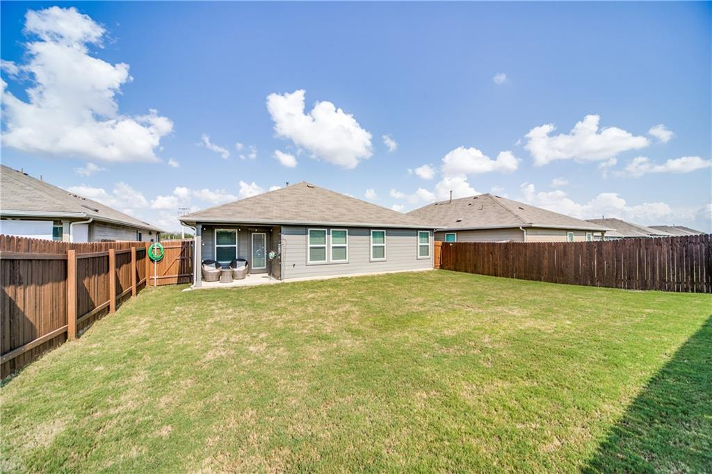 Pending   517 Summersweet Road New Braunfels, TX 78130 25