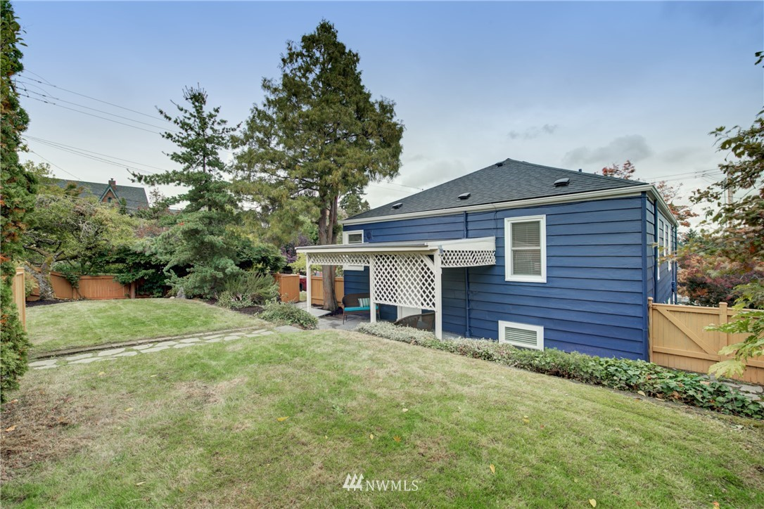 Pending | 1617 NE 80th St, Seattle, WA 98115 32
