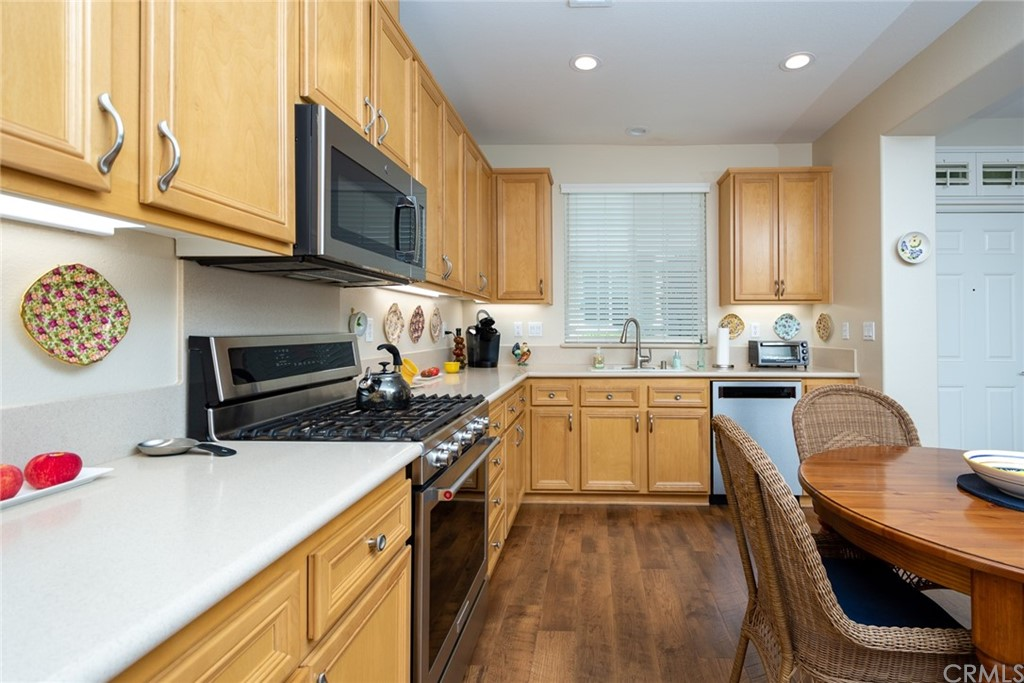 Pending   1623 Beaver Creek #A Beaumont, CA 92223 12
