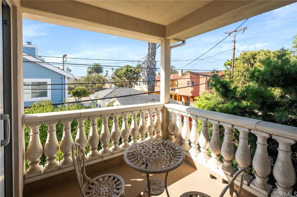 Active | 609 Elvira Avenue #B Redondo Beach, CA 90277 33