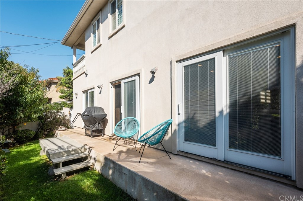 Active | 609 Elvira Avenue #B Redondo Beach, CA 90277 3