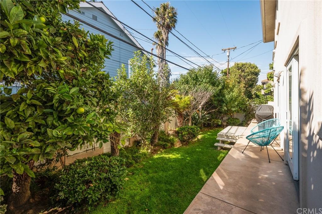 Active | 609 Elvira Avenue #B Redondo Beach, CA 90277 4