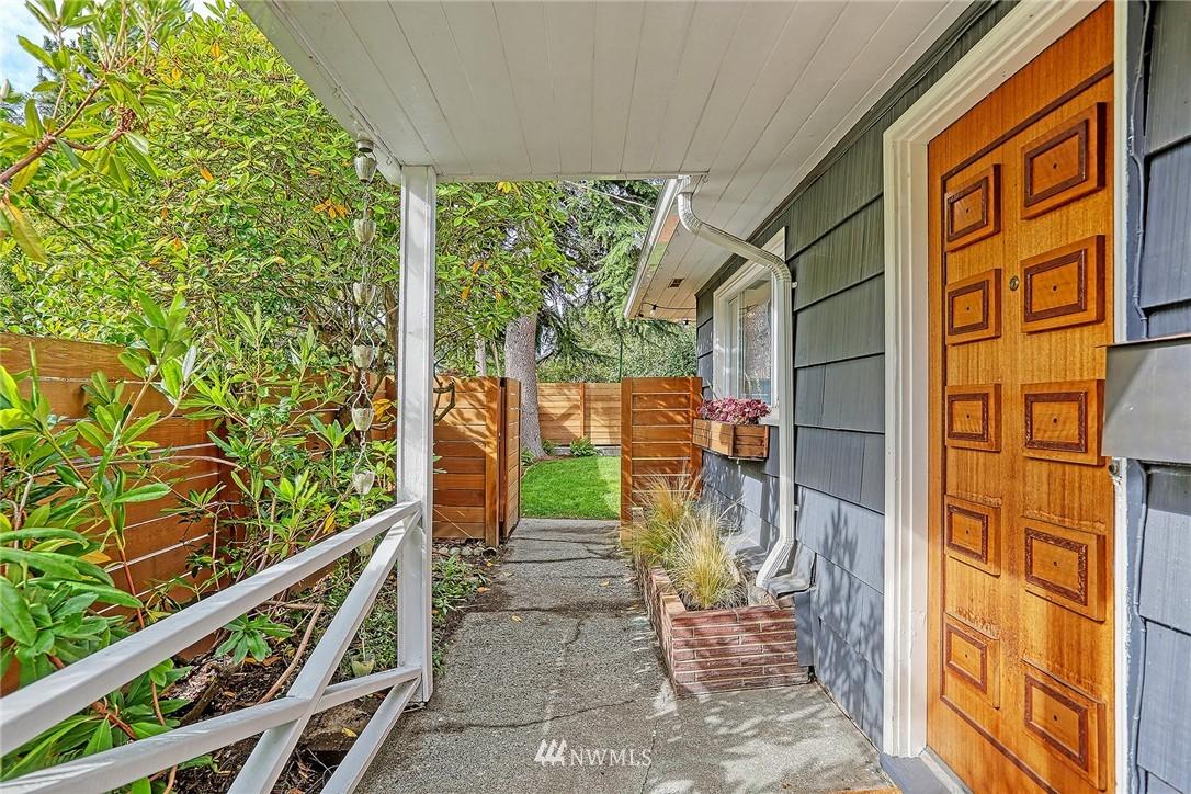 Pending | 7753 12th Avenue NW Seattle, WA 98117 2