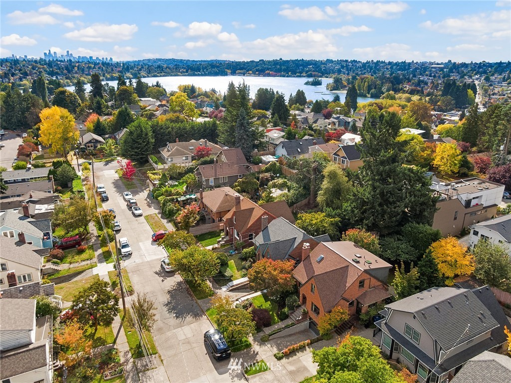 Pending | 8031 Bagley Avenue N Seattle, WA 98103 2